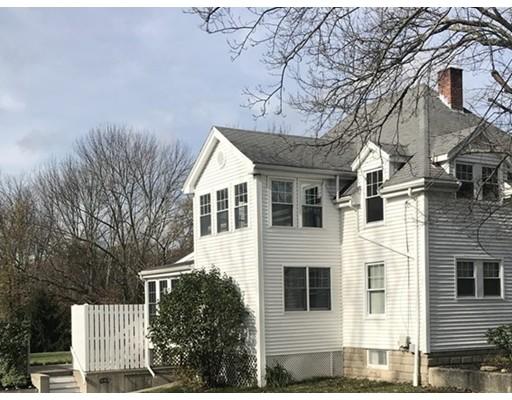 Casa Unifamiliar por un Alquiler en 13 Bates Mendon, Massachusetts 01756 Estados Unidos