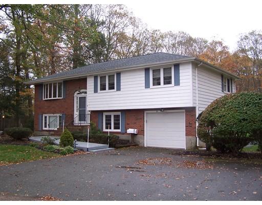 独户住宅 为 销售 在 16 Bayberry Lane 16 Bayberry Lane 伦道夫, 马萨诸塞州 02368 美国