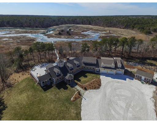 Casa Unifamiliar por un Venta en 98 Pinquicksett Cove Circle 98 Pinquicksett Cove Circle Barnstable, Massachusetts 02635 Estados Unidos
