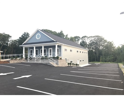 Commercial للـ Rent في 2302 GAR Highway 2302 GAR Highway Swansea, Massachusetts 02777 United States