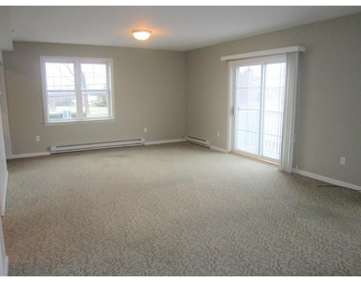 Appartement en copropriété pour l à louer à 249 Main Street #2-1 249 Main Street #2-1 Rutland, Massachusetts 01543 États-Unis