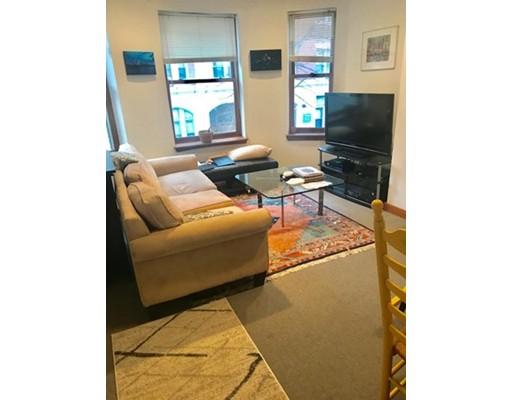 独户住宅 为 出租 在 16 Edgerly 波士顿, 02115 美国