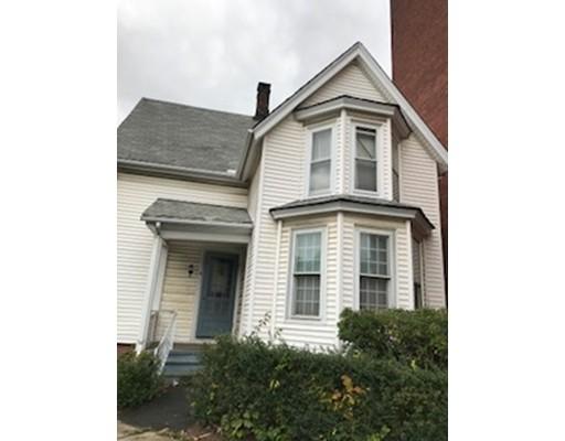 独户住宅 为 销售 在 49 Linden Street 49 Linden Street Holyoke, 马萨诸塞州 01040 美国