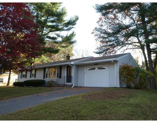 独户住宅 为 销售 在 215 Nicholas Road 215 Nicholas Road Raynham, 马萨诸塞州 02767 美国