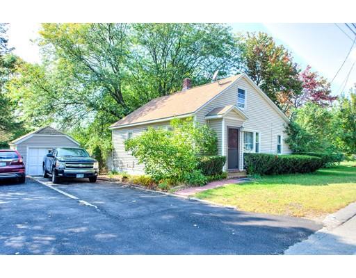 واحد منزل الأسرة للـ Sale في 130 South Policy Street 130 South Policy Street Salem, New Hampshire 03079 United States