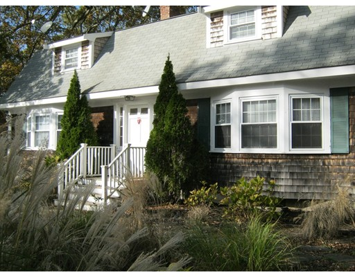 Apartamentos multi-familiares para Venda às 171 Seabrook Road 171 Seabrook Road Barnstable, Massachusetts 02601 Estados Unidos