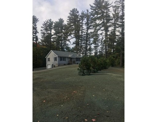 Single Family Home for Rent at 148 Frost Rd #1 148 Frost Rd #1 Tyngsborough, Massachusetts 01879 United States