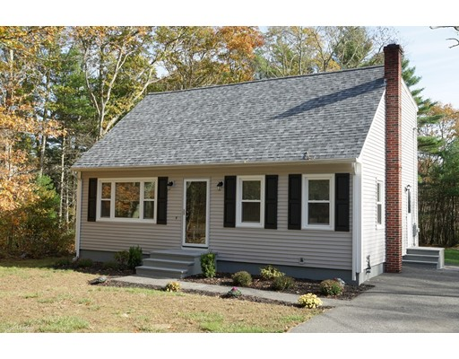 Single Family Home for Sale at 688 Collins Corner Road 688 Collins Corner Road Dartmouth, Massachusetts 02747 United States