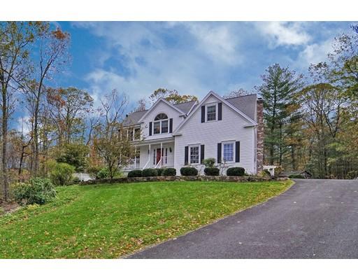 Частный односемейный дом для того Продажа на 46 MILL POND CIRCLE 46 MILL POND CIRCLE Milford, Массачусетс 01757 Соединенные Штаты