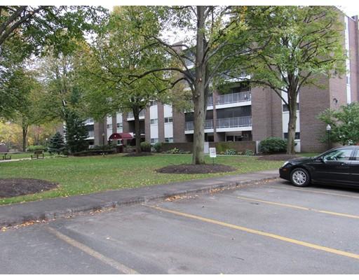 共管式独立产权公寓 为 销售 在 66 Main 斯托纳姆, 02180 美国