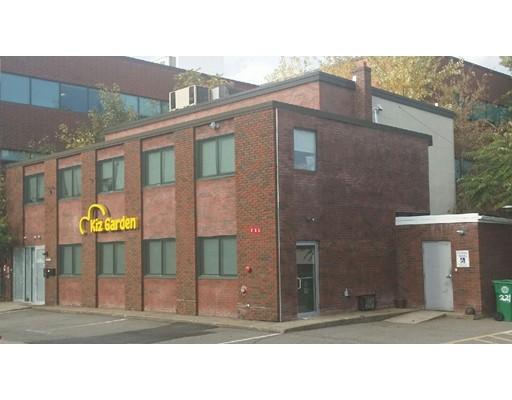 Commercial pour l Vente à 221 Washington 221 Washington Newton, Massachusetts 02458 États-Unis