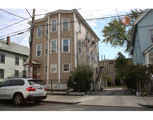 متعددة للعائلات الرئيسية للـ Sale في 55 Spencer Avenue 55 Spencer Avenue Chelsea, Massachusetts 02150 United States