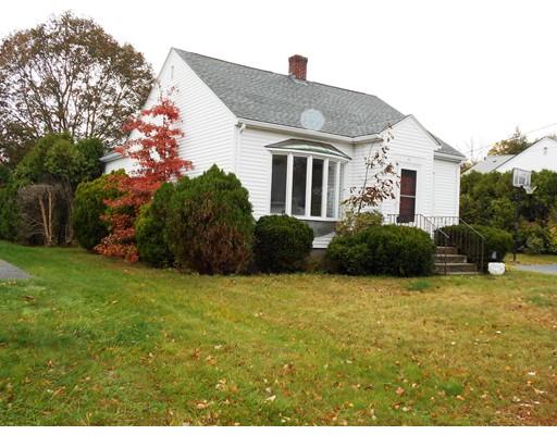 Maison unifamiliale pour l Vente à 51 Gardner Avenue 51 Gardner Avenue North Providence, Rhode Island 02911 États-Unis