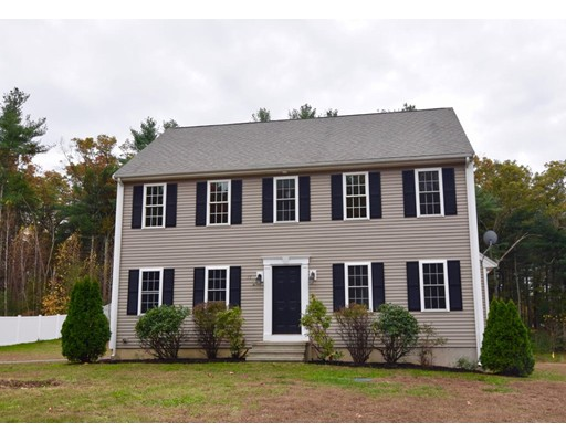 Casa Unifamiliar por un Venta en 17 Wildflower Lane 17 Wildflower Lane Middleboro, Massachusetts 02346 Estados Unidos