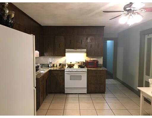 独户住宅 为 出租 在 63 Clinton Street Everett, 02149 美国