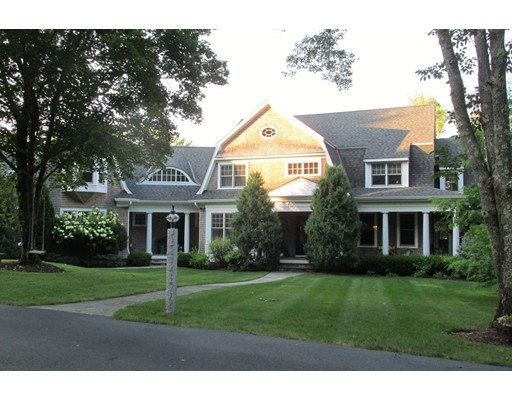 Single Family Home for Sale at 15 Lakeview Drive 15 Lakeview Drive Walpole, Massachusetts 02081 United States