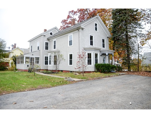 Maison unifamiliale pour l Vente à 44 Upland Street 44 Upland Street Athol, Massachusetts 01331 États-Unis