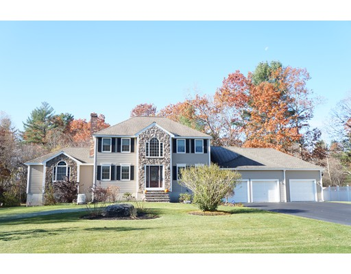 Single Family Home for Sale at 8 Fairview Drive 8 Fairview Drive Pelham, New Hampshire 03076 United States