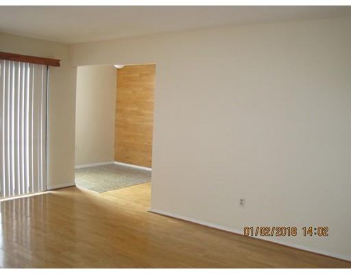 Additional photo for property listing at 8 Shrewsbury Green Drive  Shrewsbury, Massachusetts 01545 United States