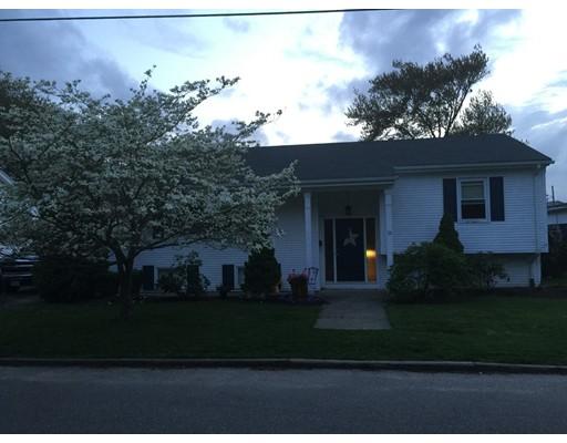 Maison unifamiliale pour l Vente à 53 Oregon Avenue 53 Oregon Avenue North Providence, Rhode Island 02911 États-Unis