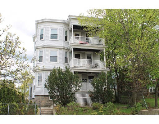 Additional photo for property listing at 4464 Washington Street #1 4464 Washington Street #1 Boston, Massachusetts 02131 United States