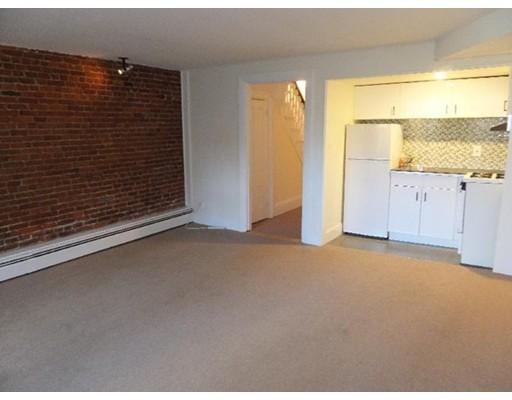 公寓 为 出租 在 34 Dartmouth St #1 34 Dartmouth St #1 波士顿, 马萨诸塞州 02118 美国