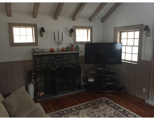 Частный односемейный дом для того Аренда на 193 Grove Street 193 Grove Street Hanover, Массачусетс 02339 Соединенные Штаты