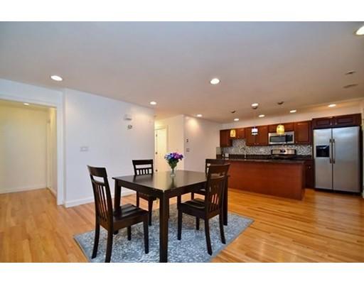 Condominio por un Alquiler en 128 kenrick #2 128 kenrick #2 Boston, Massachusetts 02135 Estados Unidos