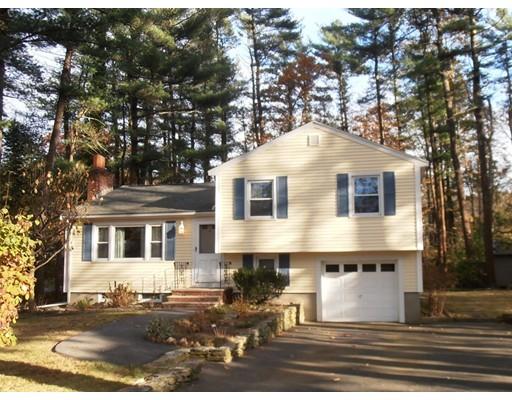 独户住宅 为 销售 在 135 Sunset Drive 135 Sunset Drive Raynham, 马萨诸塞州 02767 美国