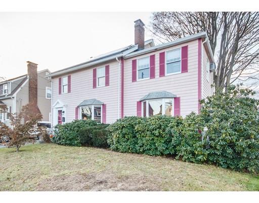 واحد منزل الأسرة للـ Sale في 90 Beal Road 90 Beal Road Waltham, Massachusetts 02453 United States