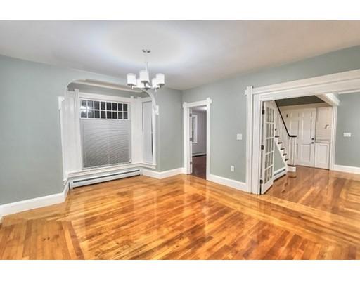 واحد منزل الأسرة للـ Sale في 53 Sumner Street 53 Sumner Street Stoughton, Massachusetts 02072 United States