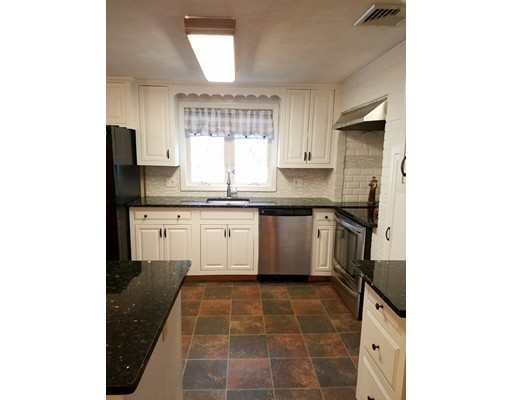 Single Family Home for Sale at 46 Juniper Road 46 Juniper Road Avon, Massachusetts 02322 United States