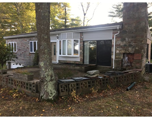 Single Family Home for Sale at 4 Cliff Drive 4 Cliff Drive Freetown, Massachusetts 02702 United States