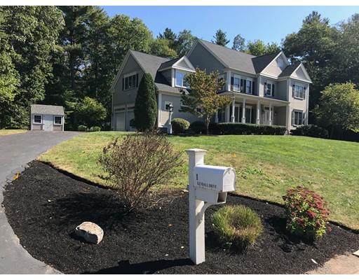 واحد منزل الأسرة للـ Sale في 1 Kendall Drive 1 Kendall Drive Foxboro, Massachusetts 02035 United States