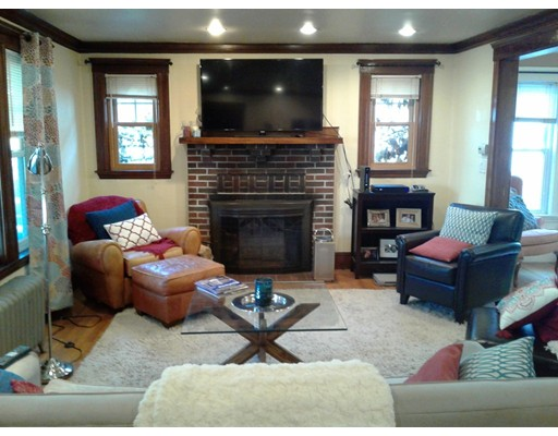 Condomínio para Venda às 33 Barnard Road 33 Barnard Road Belmont, Massachusetts 02478 Estados Unidos