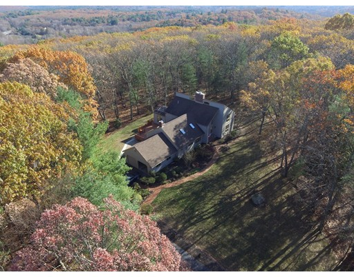Single Family Home for Sale at 26 Woodstone Road 26 Woodstone Road Northborough, Massachusetts 01532 United States