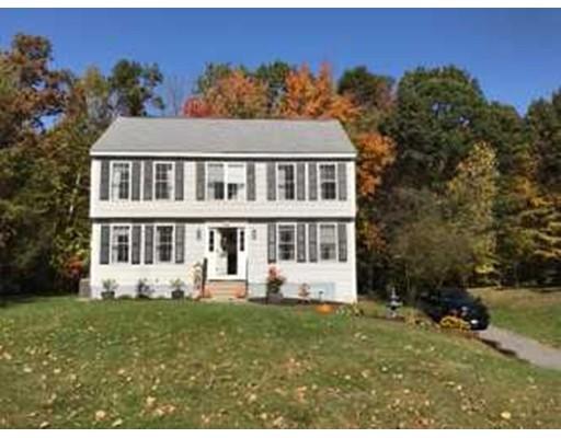 واحد منزل الأسرة للـ Sale في 14 Driveew Woods Drive 14 Driveew Woods Drive Derry, New Hampshire 03038 United States