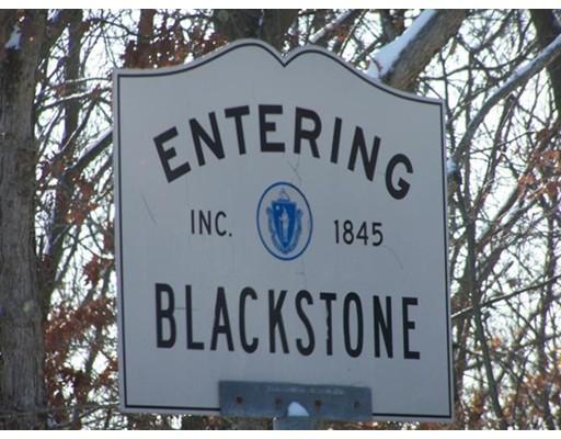 Terrain pour l Vente à Union Street Union Street Blackstone, Massachusetts 01504 États-Unis