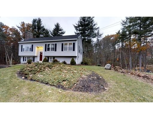 واحد منزل الأسرة للـ Sale في 38 Overledge Drive 38 Overledge Drive Derry, New Hampshire 03038 United States