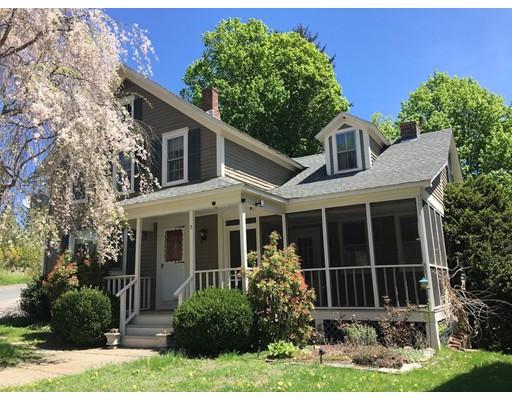 واحد منزل الأسرة للـ Sale في 3 Pleasant Street 3 Pleasant Street Huntington, Massachusetts 01050 United States
