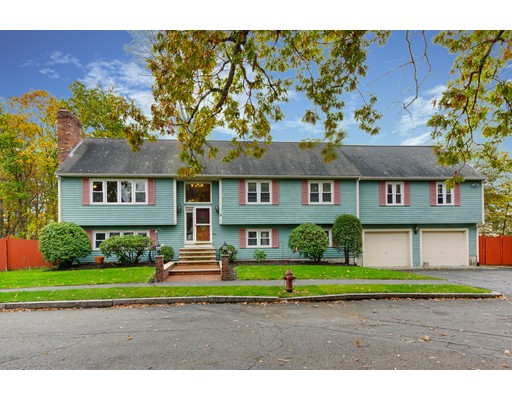 Single Family Home for Sale at 10 High Rock Road 10 High Rock Road Stoneham, Massachusetts 02180 United States