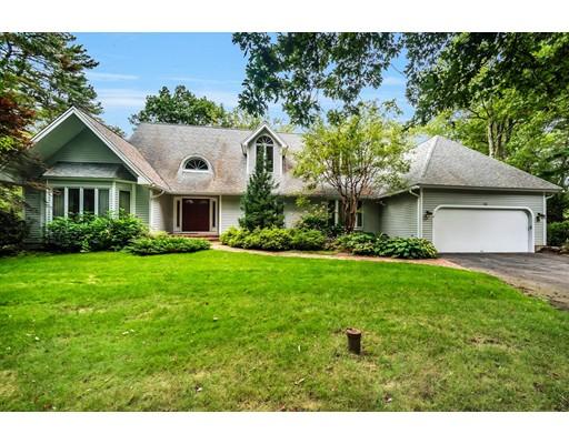 Частный односемейный дом для того Продажа на 10 Powissett Street 10 Powissett Street Dover, Массачусетс 02030 Соединенные Штаты