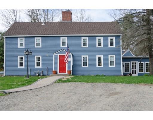 Casa Unifamiliar por un Alquiler en 134 King Street 134 King Street Groveland, Massachusetts 01834 Estados Unidos