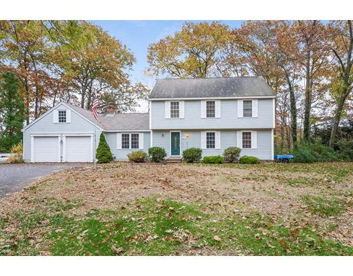 Single Family Home for Sale at 215 Bolton Road 215 Bolton Road Lancaster, Massachusetts 01521 United States