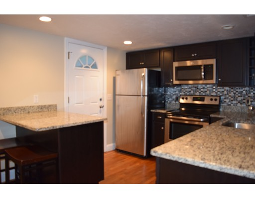 独户住宅 为 出租 在 7 Jaques Street Somerville, 02145 美国