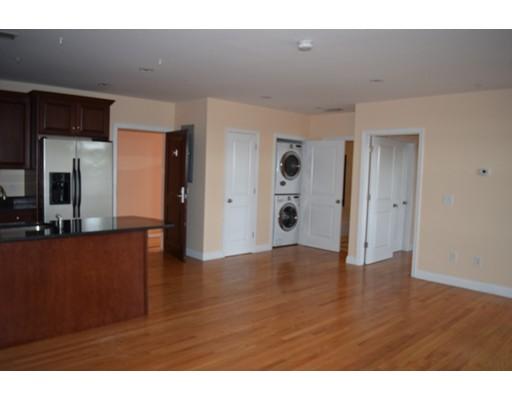独户住宅 为 出租 在 100 Fellsway West Somerville, 02145 美国