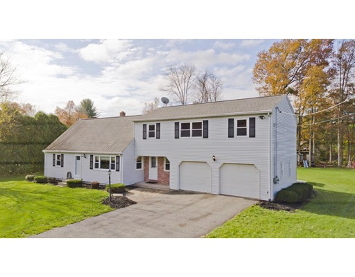 واحد منزل الأسرة للـ Sale في 15 Greenleaf Drive 15 Greenleaf Drive Hampden, Massachusetts 01036 United States