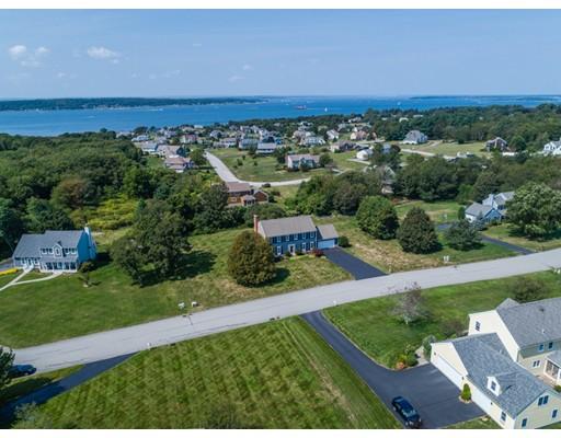 Частный односемейный дом для того Продажа на 55 McBride Drive 55 McBride Drive Portsmouth, Род-Айленд 02871 Соединенные Штаты