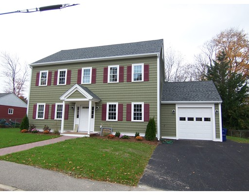 Single Family Home for Sale at 36 Woodside Avenue 36 Woodside Avenue Braintree, Massachusetts 02184 United States