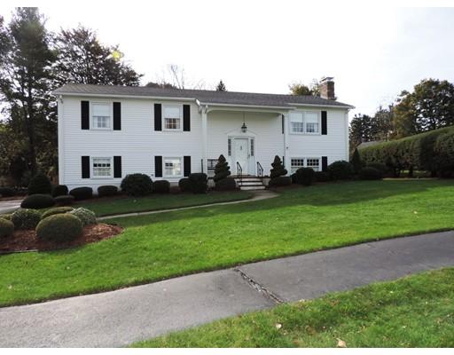 Maison unifamiliale pour l Vente à 24 Ruthen Circle 24 Ruthen Circle Shrewsbury, Massachusetts 01545 États-Unis
